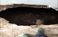 حادثه فروریختن چاه فاضلاب یکی از منازل تهران