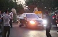 ازدحام مردم بسوی بهرام رادان در اکران فیلم زادبوم