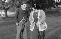 چارلی چاپلین - بین رگبارها - 1914 - Between Showers