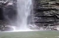 یک آبشار بسیار زیبا در ایران زمین