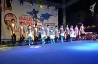 رقص آذری آیلان کودکان در روز آخر جشنواره ازمیر ترکیه با استقبال پرشور مخاطبان