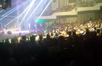 حرکات جالب اکبر عبدی در کنسرت خنده حسن ریوندی