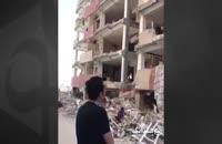 حافظ ناظری در سفری که به مناطق زلزله زده ایران